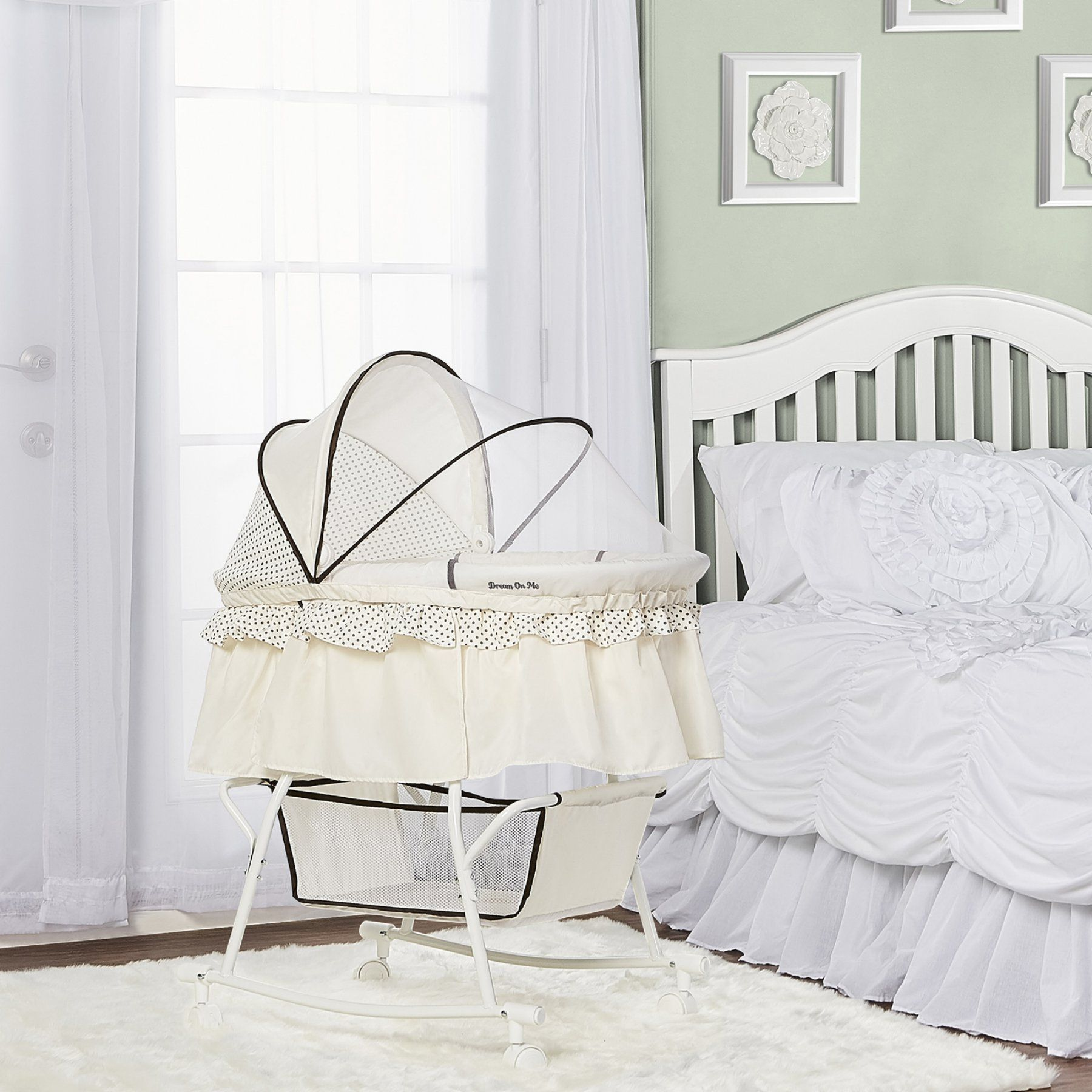 Dream on Me Lacy Portable 2 in 1 and Cradle in