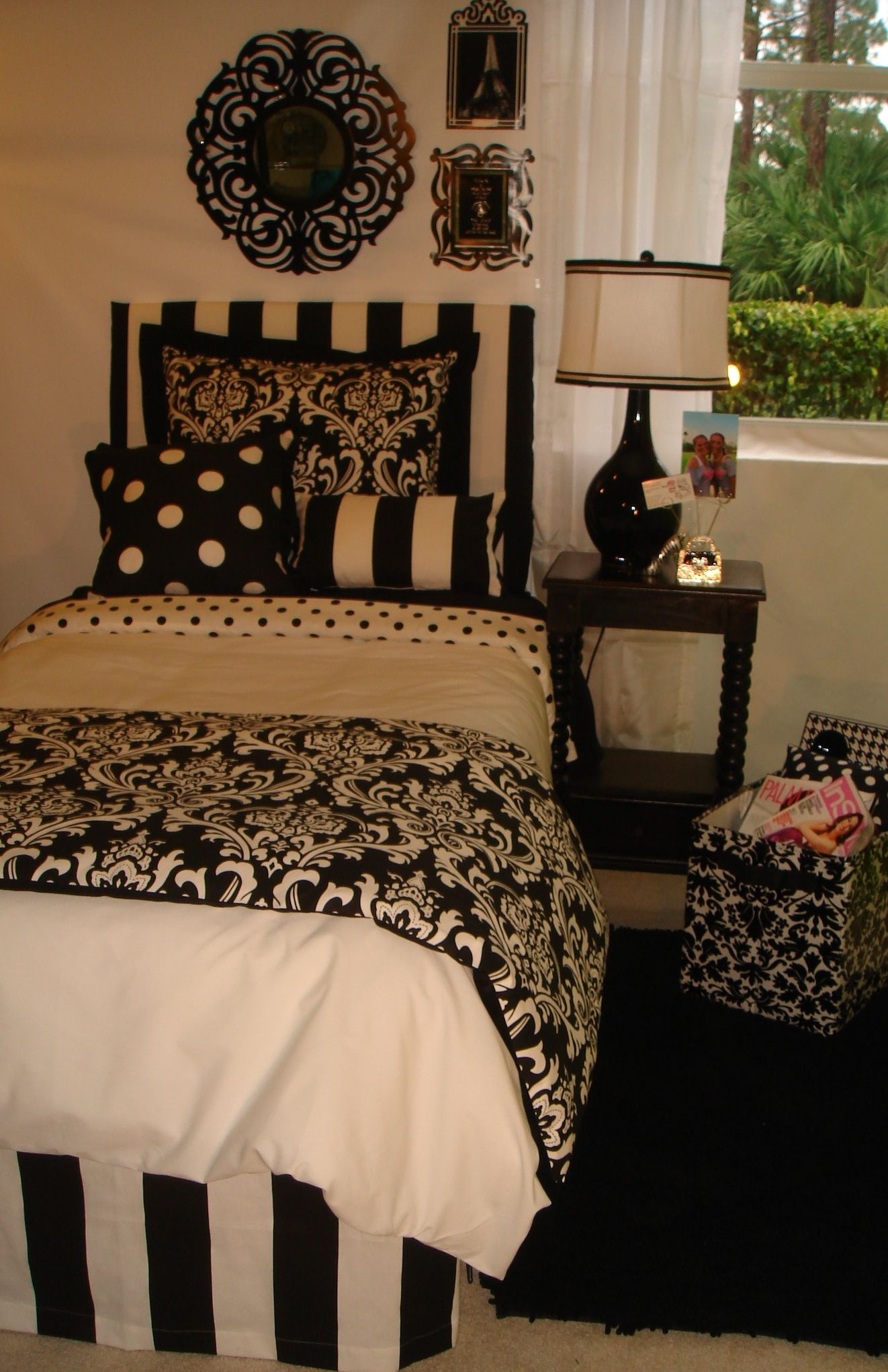 Black And White Damask Decorating Ideas