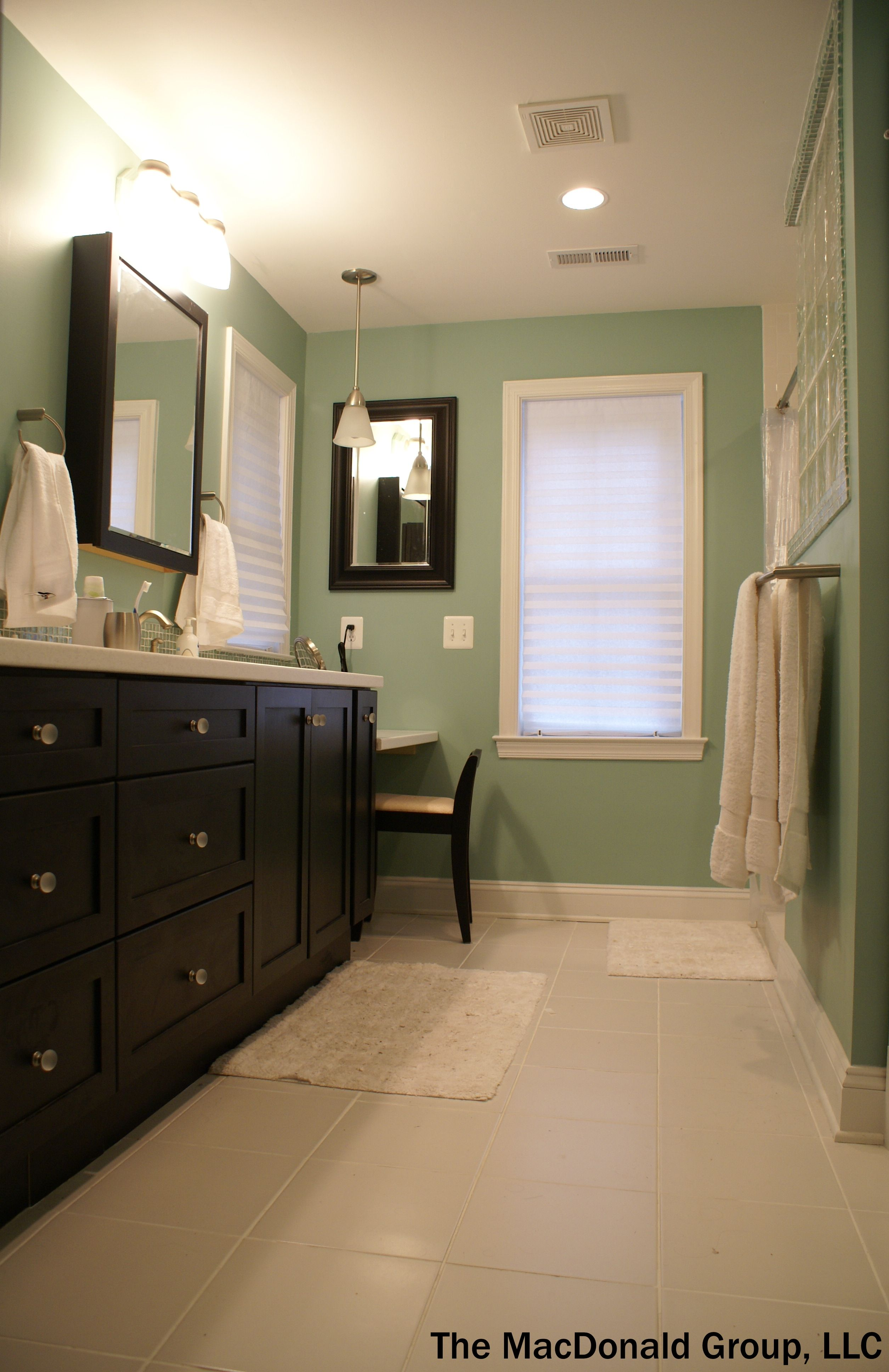 Traditional Master Bathroom With Shaker Cabinets Glass Block