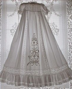 Gorgeous gown. Website has many more to delight over.