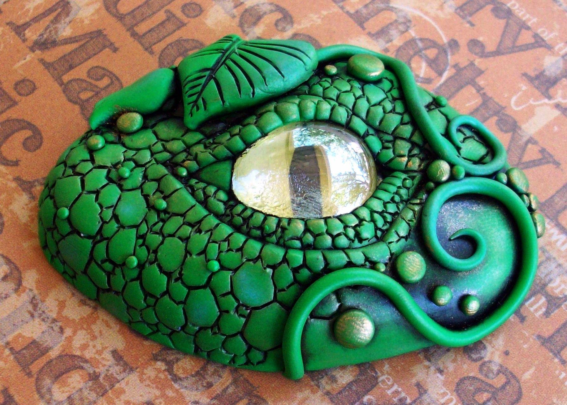 Woodland Dragon Eye by ChristineK | ClayLessons.com
