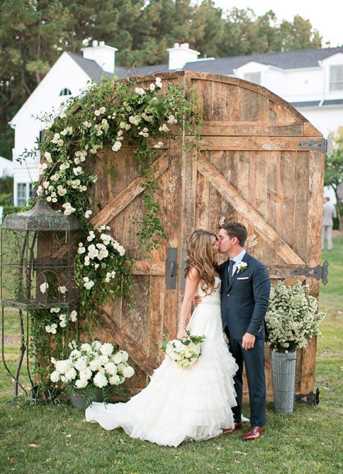 10 Breathtaking Backdrops For Your Wedding Outdoor Country