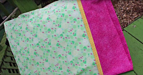 Make An Adorable Pillow Case With Only 3 Seams! Crafty GeminiPillowcase Tutorial24 ... & Make An Adorable Pillow Case With Only 3 Seams! | Pillow cases 24 ... pillowsntoast.com