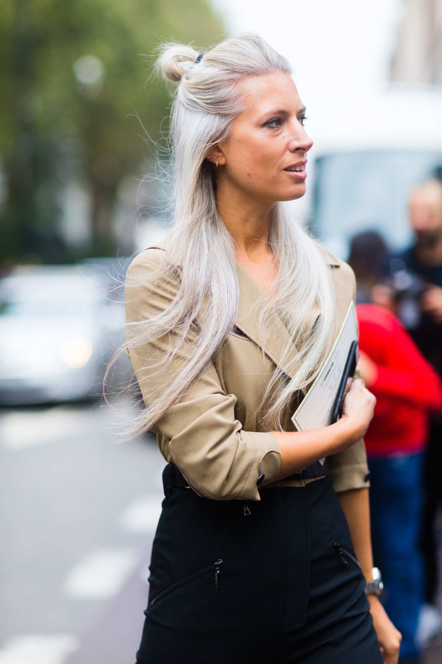 Sarah Harris   Sarah harris, Gray hair and Street styles
