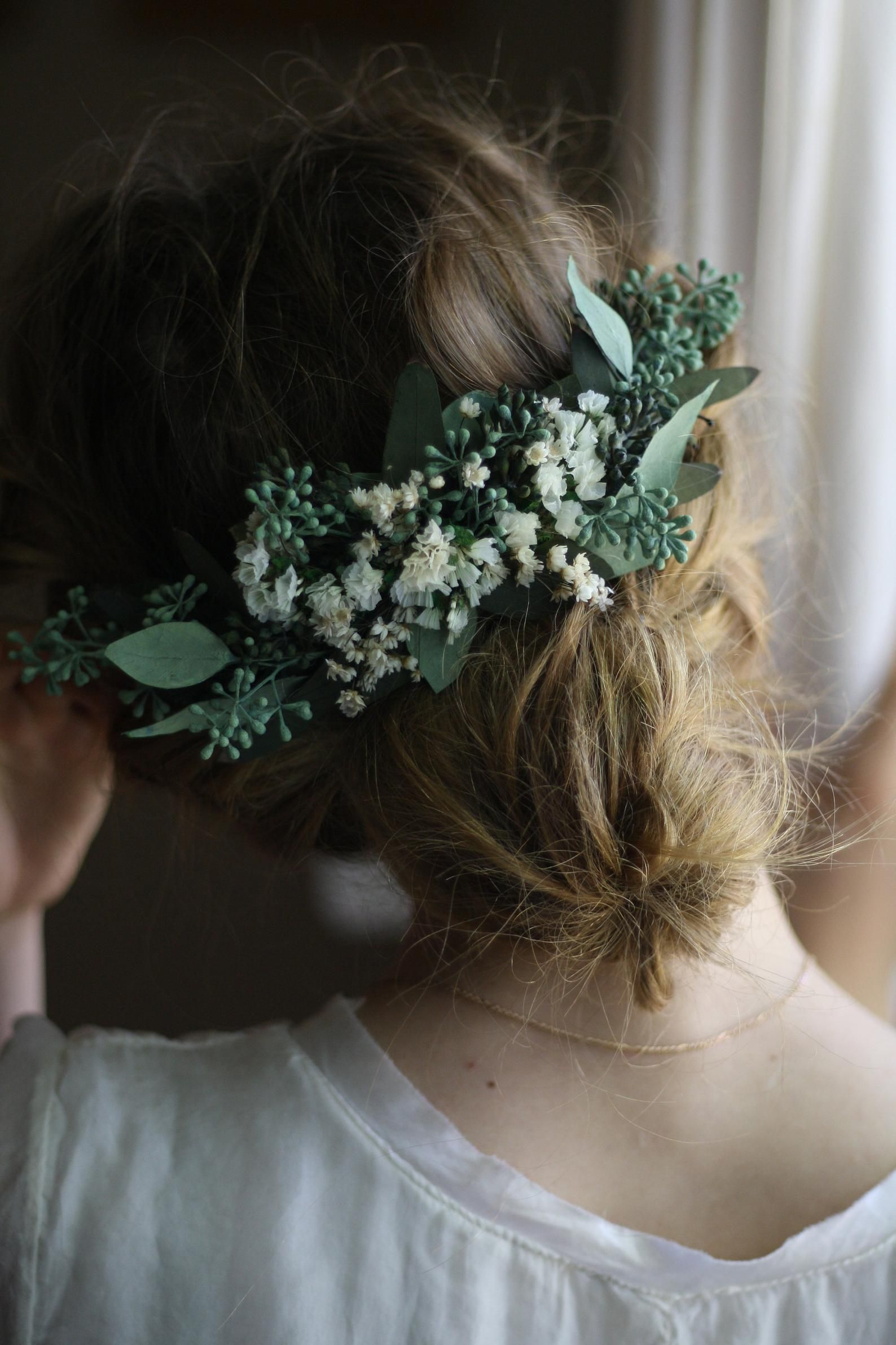 Pastel flower hair comb rustic floral headpiece beige bridal comb country wedding hairpiece natural eucalyptus hair clip winter headpiece