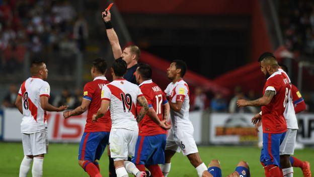 Fue convocado a la Selección Peruana para enfrentar a Brasil pero su participación todavía no está asegurada. Christian Cueva recibió una fecha de sanción preventiva pero la FIFA le abrió un expediente y la Federación Peruana de Fútbol está a la espera de la decisión final. Octubre 26, 2015.