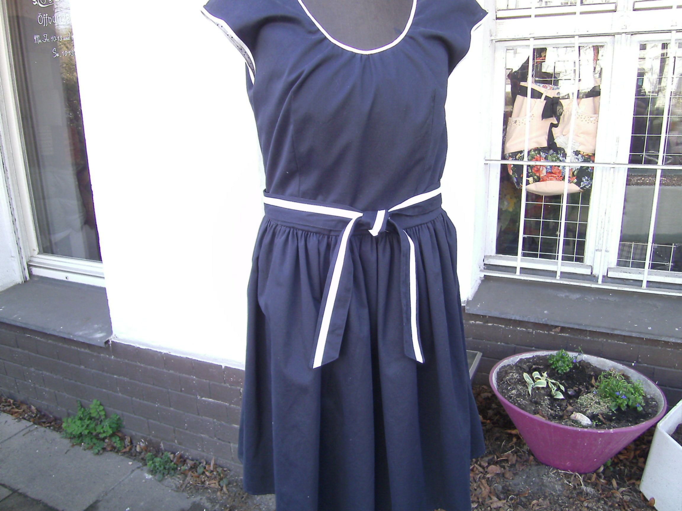 navy blaues kurzärmliges Kleid marine blaues Kleid , Sommerkleid