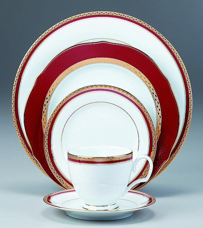 Cecile Gold Noritake Porcelan Keramia