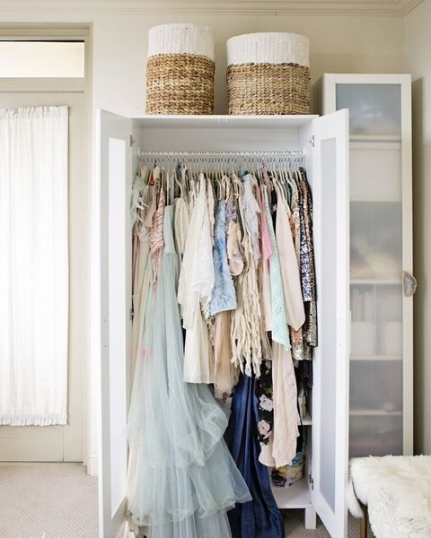 Best 14 Ingenious Storage Tricks For A Small Bedroom With No 640 x 480