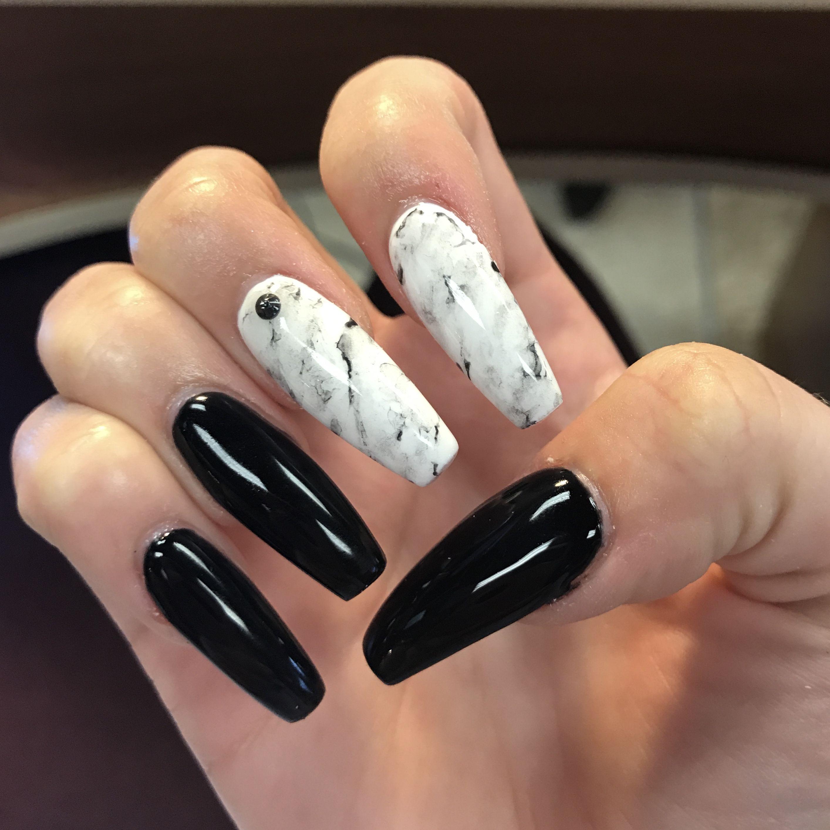 #acrylicnails #gelpainting #sandraluz   Gel polish