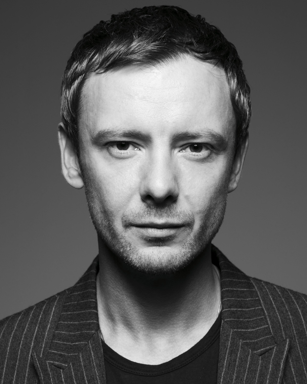 John Simm (born 1970)
