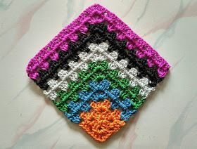 Mitered granny square free pattern