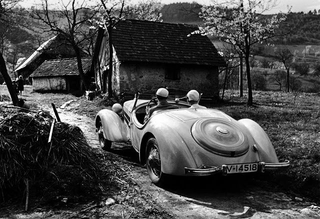 vintage everyday: 30 Amazing Black and White Photographs of Germany in the 1930s by Paul Wolff
