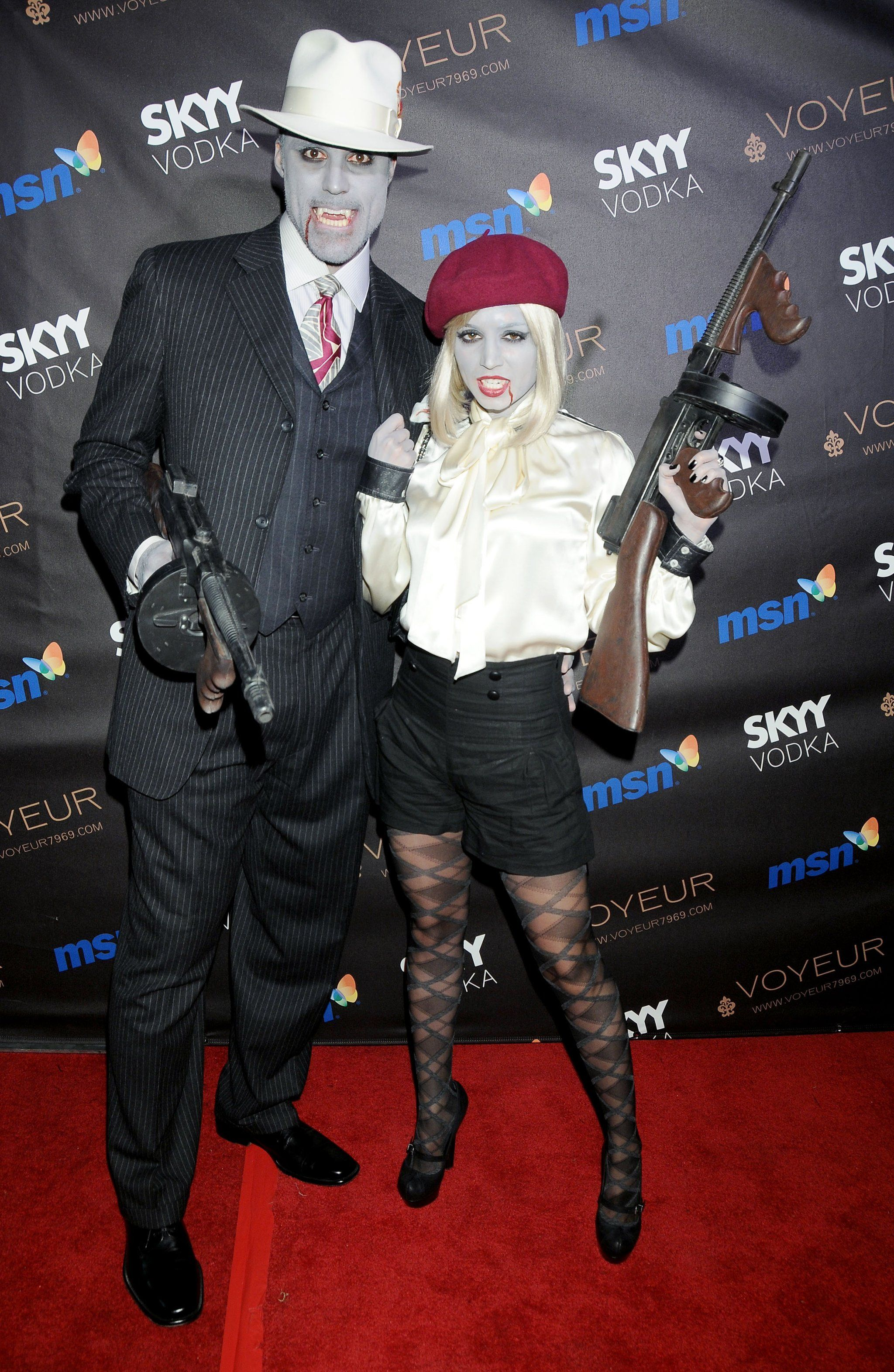 couple costume ideas rick fox and eliza dushku as mobsters - Hollywood Couples Halloween Costumes