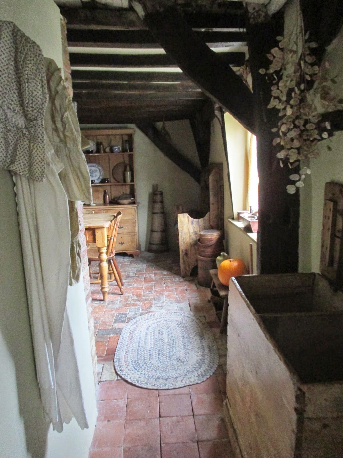 English country home interiors  Pin by Wise Woman on Hearth and Home  Pinterest  Primitives