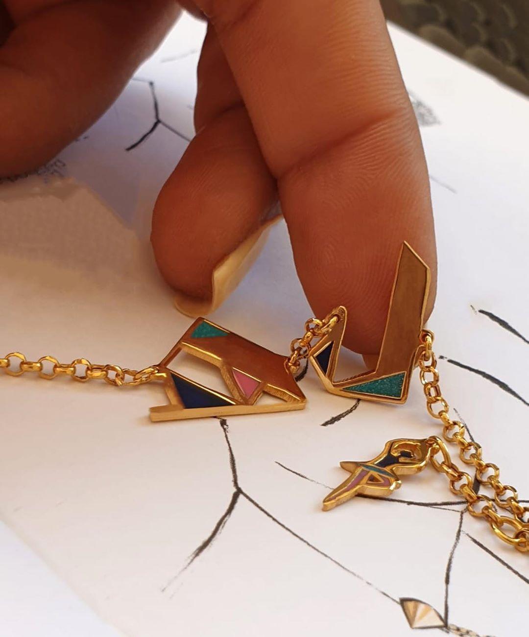 Arabic Letters Lam Haa Geometric Bellylady Pendant Gold 21 Karat Customized Bracelet Design Geometric Co Baby Shower Princess Baby Princess Arrow Necklace