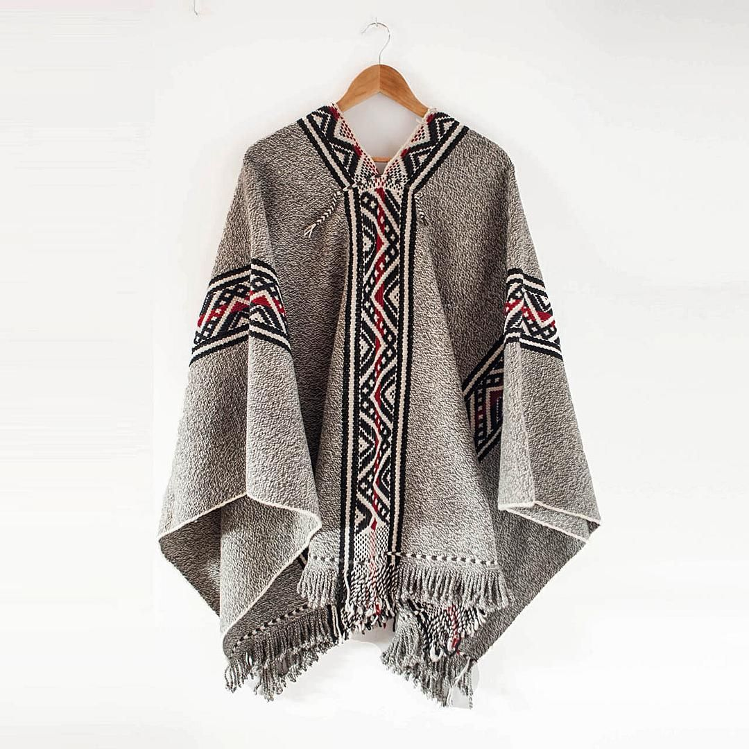 66eb47268b6e Maravilloso Poncho Mapuche