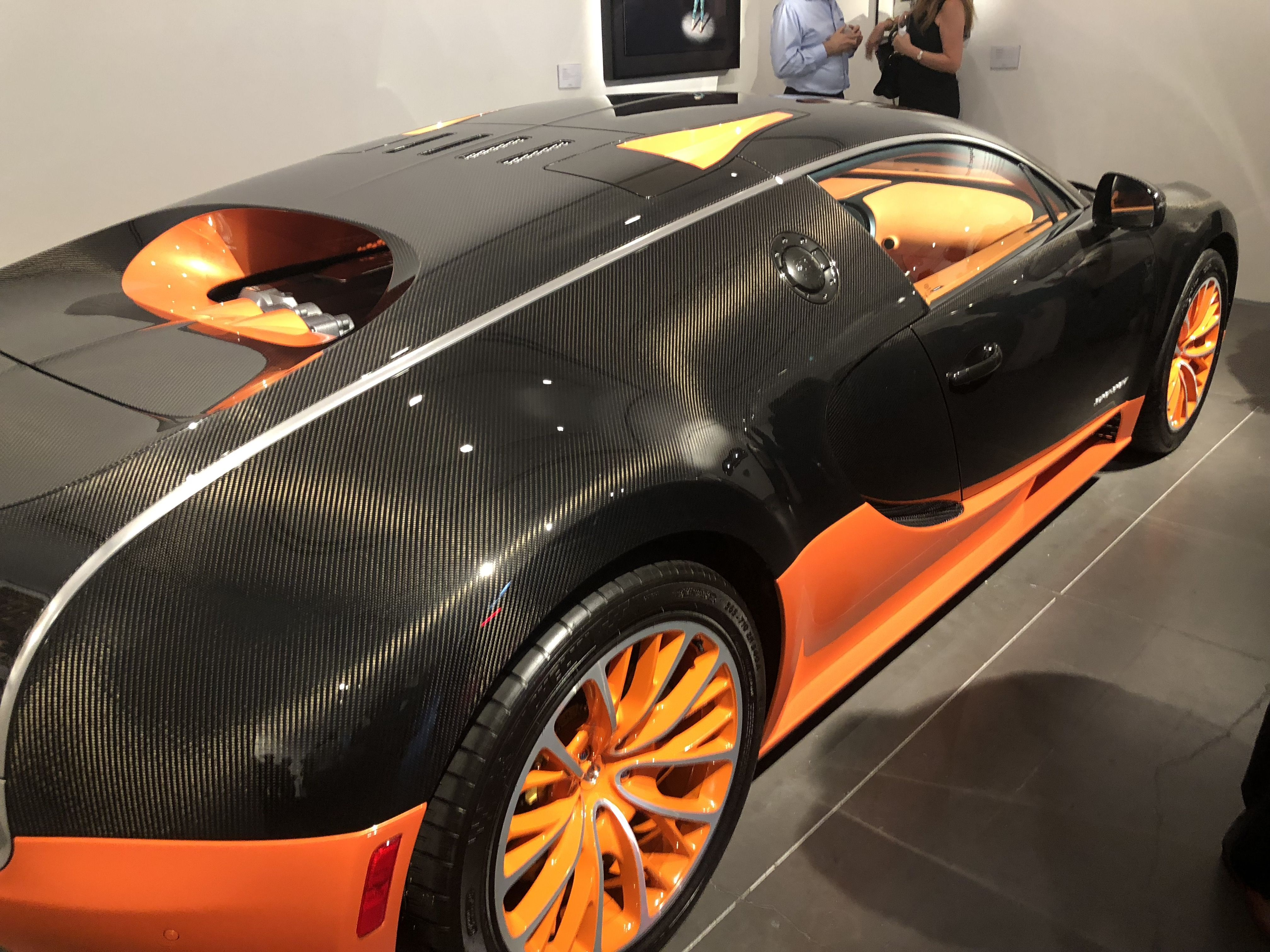 Bugatti Chiron Unveiled At Phillips Auction House In New York City Https Theromanceofelegance Com Bugatti Chiron Bugatti Phillips Auction