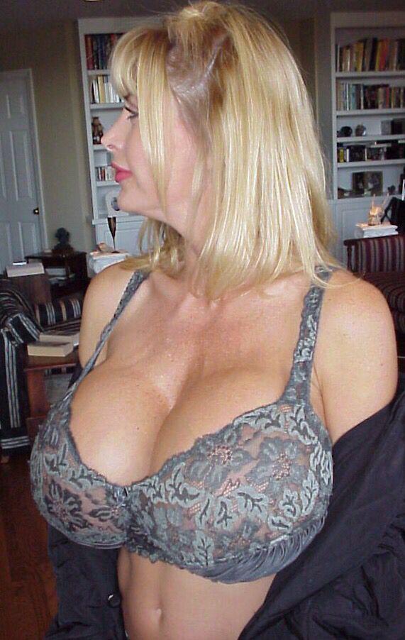 Mi pelirroja esposa desnuda