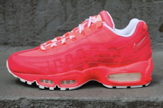 outlet store 05b70 61b45 Nike WMNS Air Max 95 'Hot Punch' - SneakerNews.com ...