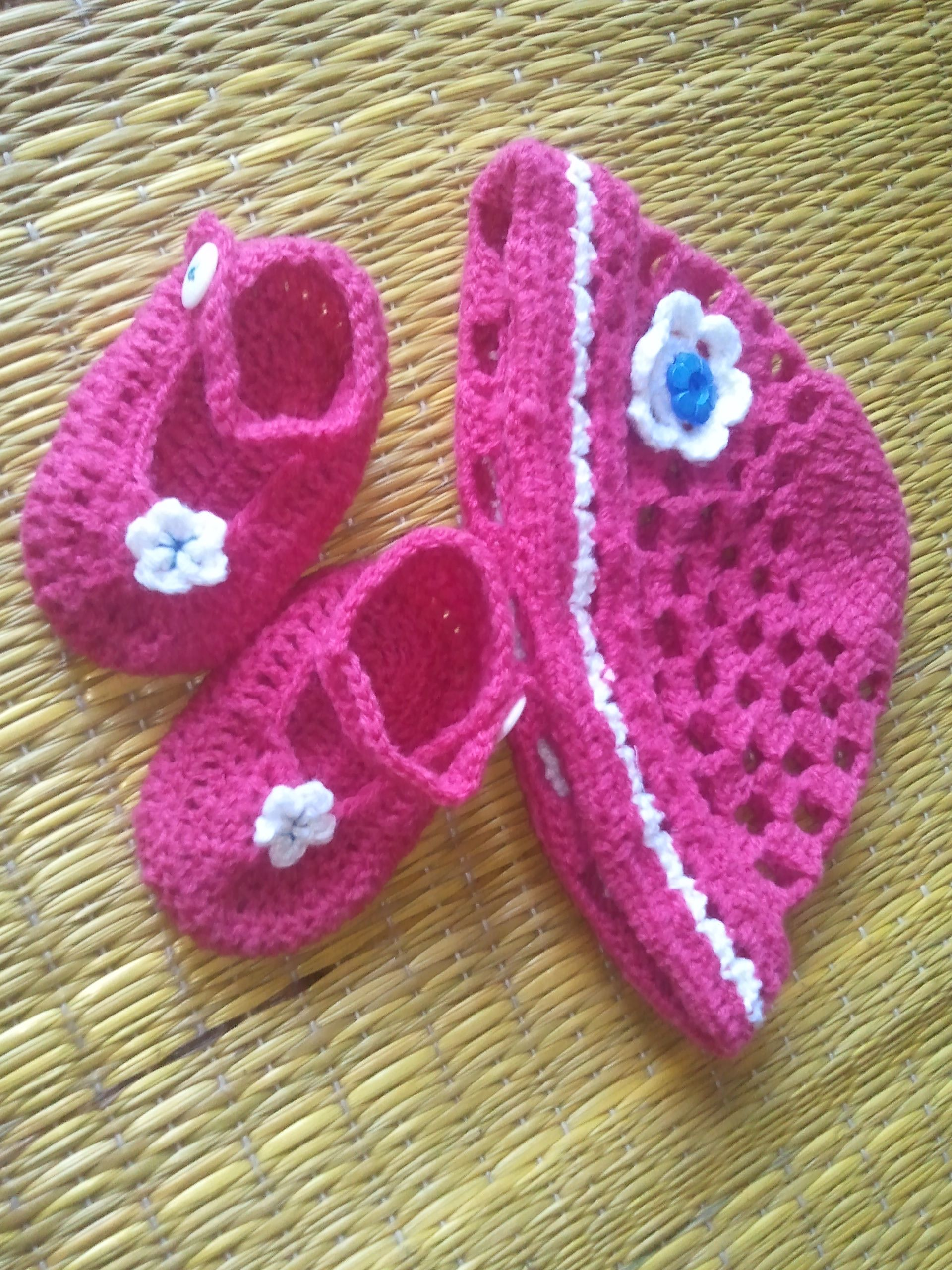 created this baby set of beanie n booties for my frenz daughter