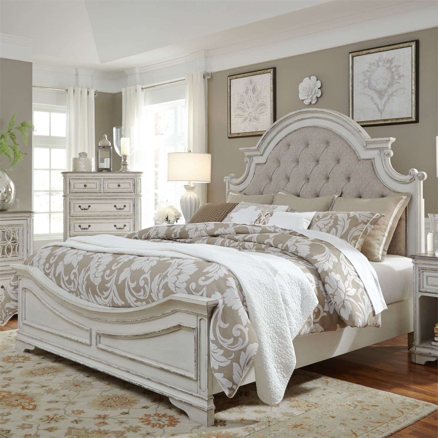 Magnolia Manor Upholstered Bed Liberty furniture, White