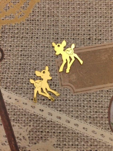 立っている鹿のチャームです。両面がお使いいただけます。小物作りのアクセントに。 サイズ 大きめ 24mm×19mm■商品は可能な限りお分かり頂ける...|ハンドメイド、手作り、手仕事品の通販・販売・購入ならCreema。