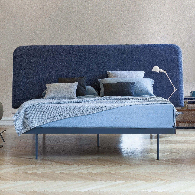 Bett Mit Gepolstertem Kopfteil contrast bett mit gepolstertem kopfteil aus gestepptem stoff duvet
