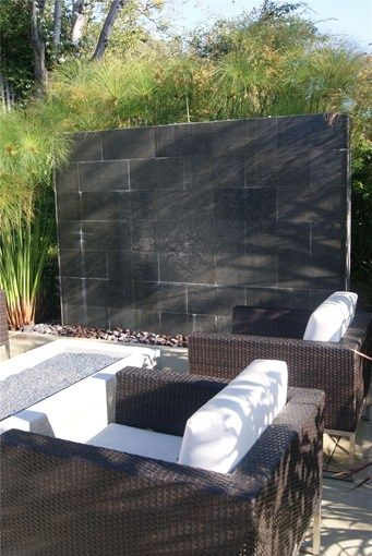 Outdoor wall water features outdoor water wallfountainz for Outdoor feature wall ideas