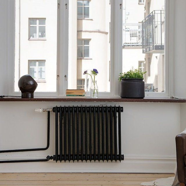 un radiateur noir sur fond blanc radiateurs pinterest radiateur fond blanc et noir. Black Bedroom Furniture Sets. Home Design Ideas