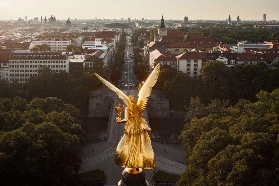 Architekturfotografie München siegesengel münchen oben aug in aug mit der bavaria