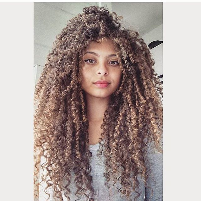 Cute Hairstyles For Curly Hair Cool Her Hair Is Very Beautiful Natural Curly Hair  Pinterest