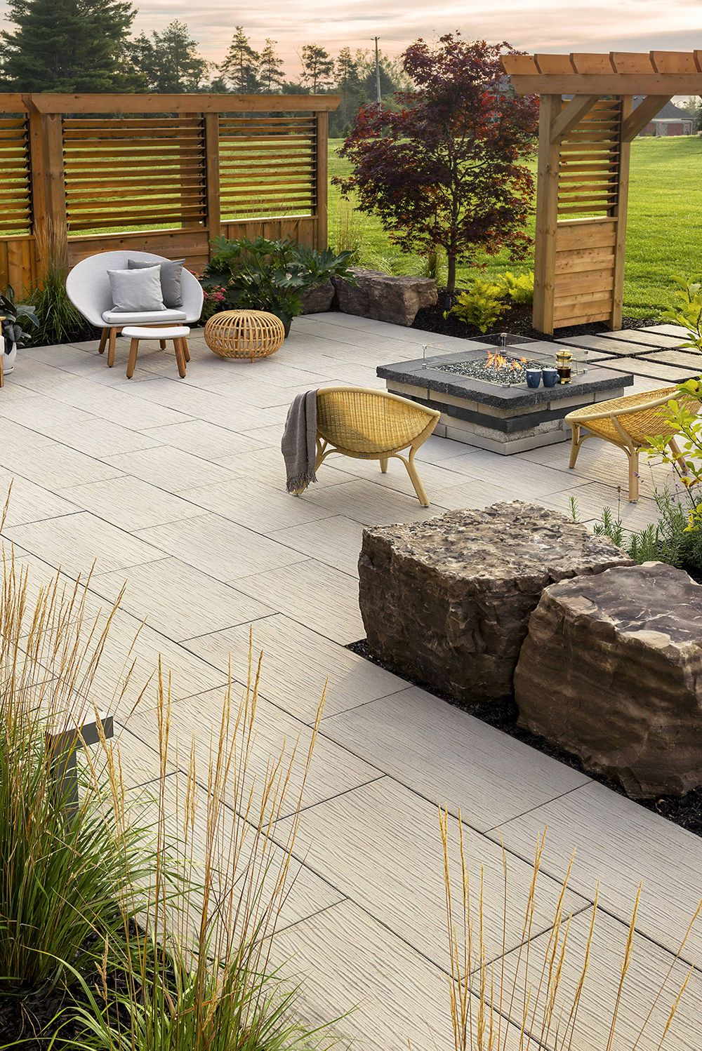 This Backyard Look Is Inspired By Our Ocean Grande Slab This New Patio Slab Is Techo Bloc S Latest Dry Cast Slab Using A New Hig Patio Backyard Patio Backyard