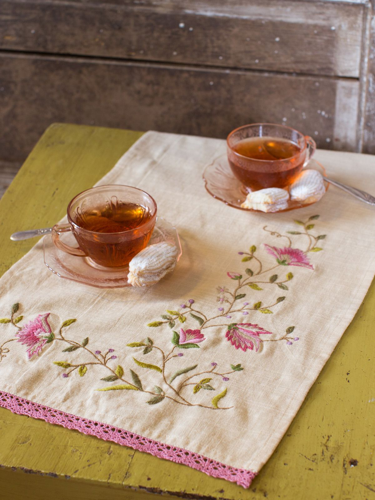 Rosebud Emb Table Scarf | Table Linens U0026 Kitchen, Placemats U0026 Runners : Beautiful Designs