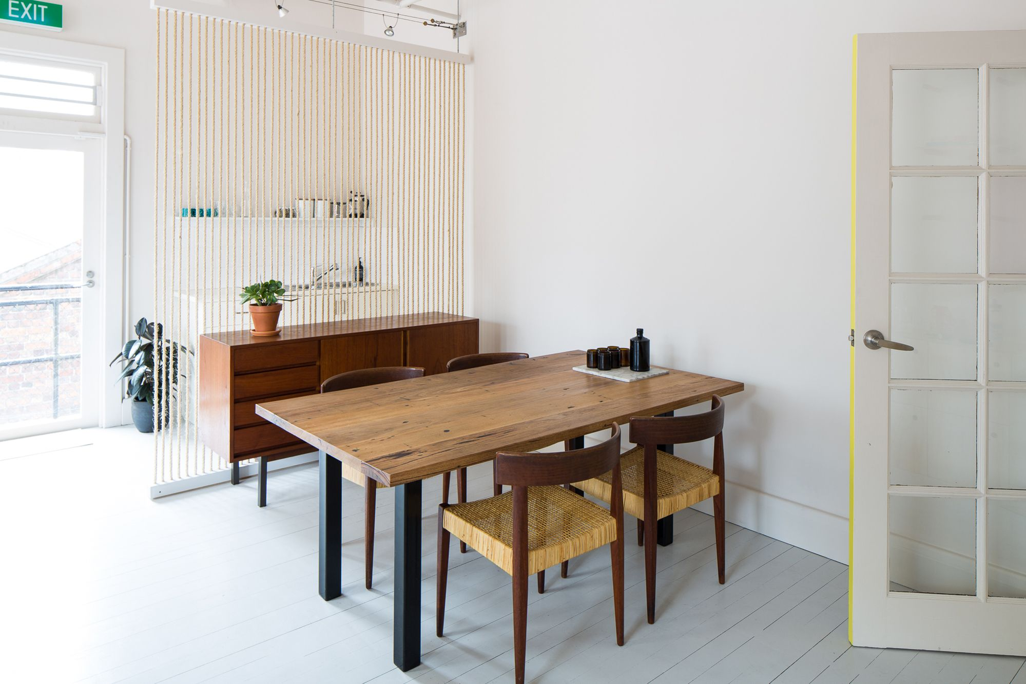 Screening option - use of rope ties in with nautical/bayside feel. Curtin House Studio in Melbourne
