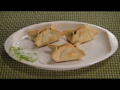 Spinach parcels vegetarian video recipe by chef sanjeev kapoor spinach parcels vegetarian video recipe by chef sanjeev kapoor forumfinder Images