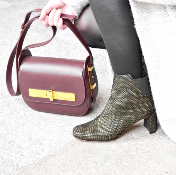 Vu sur le blog de Couleurs de Capucine un #ootd avec les #shoes Cara point or et le #sac Amédée Prune !  #fashion #bag #shoes