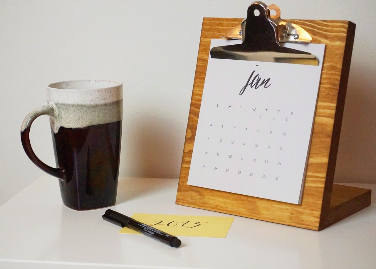 Craft this simple modern diy desk calendar to ring in the new year craft this simple modern diy desk calendar to ring in the new year in style solutioingenieria Images