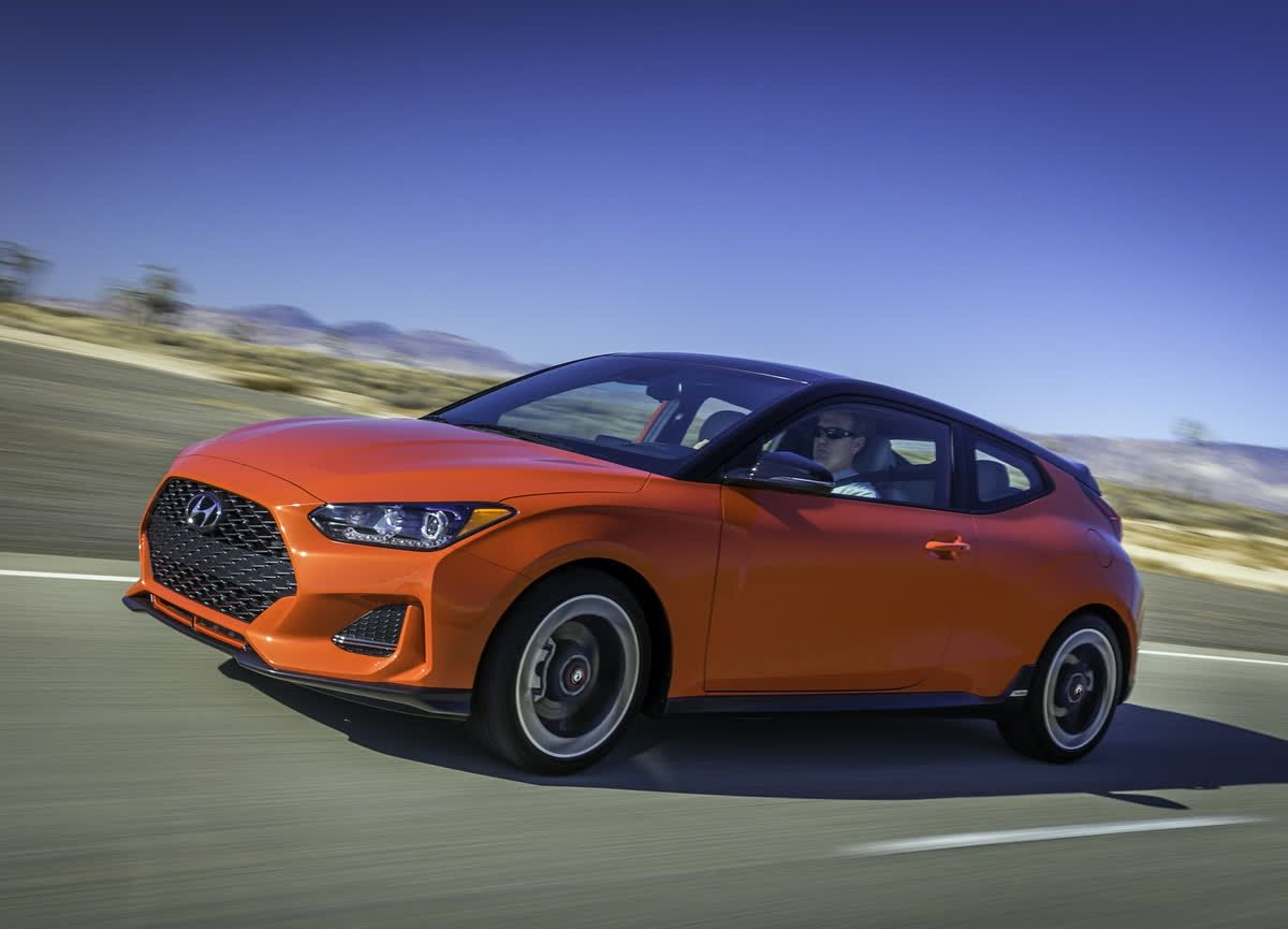 The Top Choice Among Enthusiasts Is The New Hyundai Veloster Turbo R Spec Model That Has Under Its Handsome Hood Over 200 Lively Hyundai Hatchback Six Speed