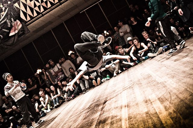 Floor Wars 2010 - breakdancing bboying