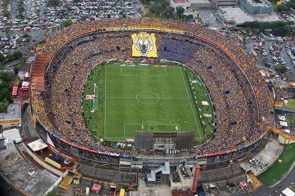 Estadio universitario cl sico 100 estadios vistos por for Puerta 9 estadio universitario