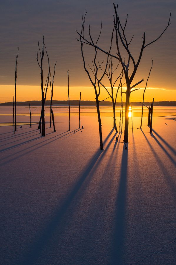Sun Rising Over A Frozen Lake At Manasquan Reservoir In New Jersey Beautiful Landscapes Beautiful Nature Sunrise