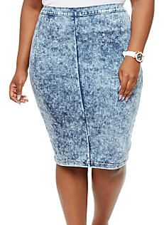 0f27078917b Plus Size Acid Wash Denim Pencil Skirt with Back Slit