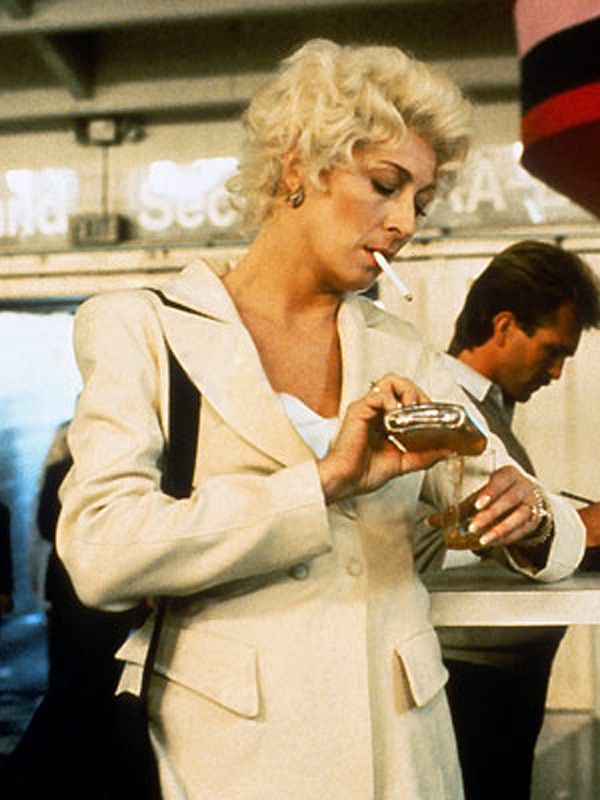 The Grifters, 1990 Anjelica Huston in her finest role | Anjelica huston,  Singer, Actresses