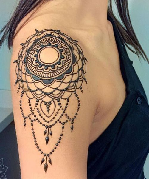 Henna Tattoo Care Instructions: Graceful Lace Henna Tattoos On Shoulder For Girls