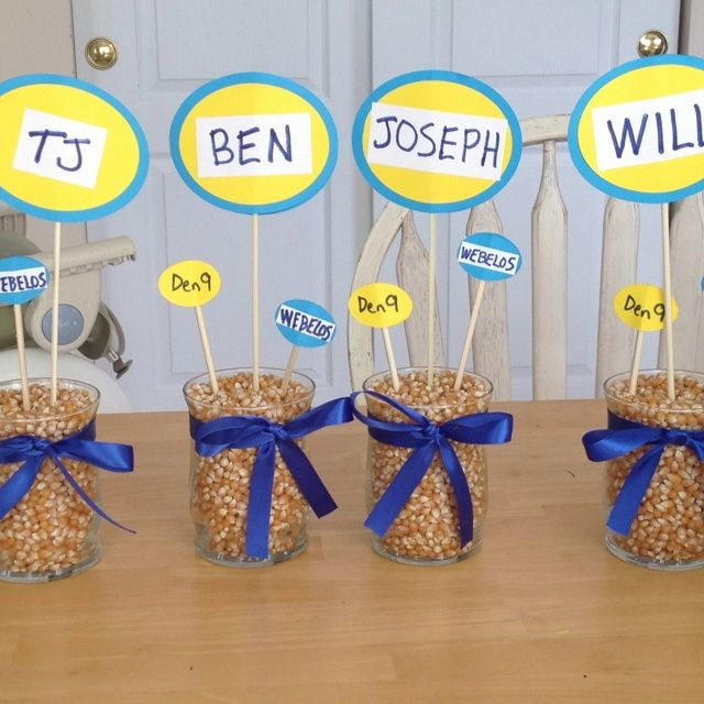 Blue and gold banquet decorations