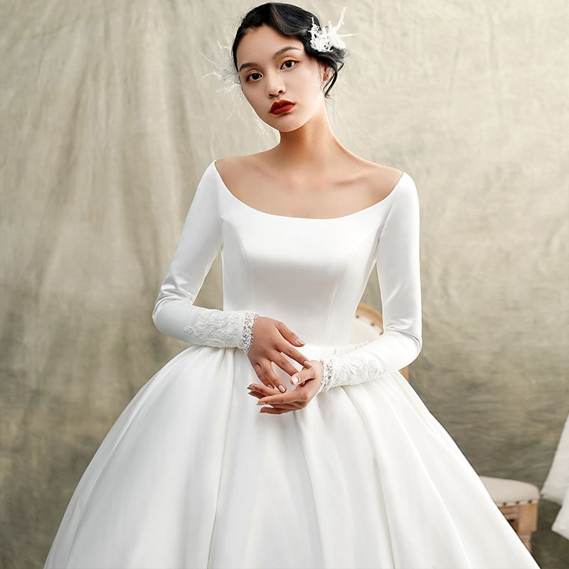 9849a4bc0067 Vintage / Retro Ivory Satin Winter Wedding Dresses 2019 Princess Scoop Neck  Long Sleeve Chapel Train Ruffle