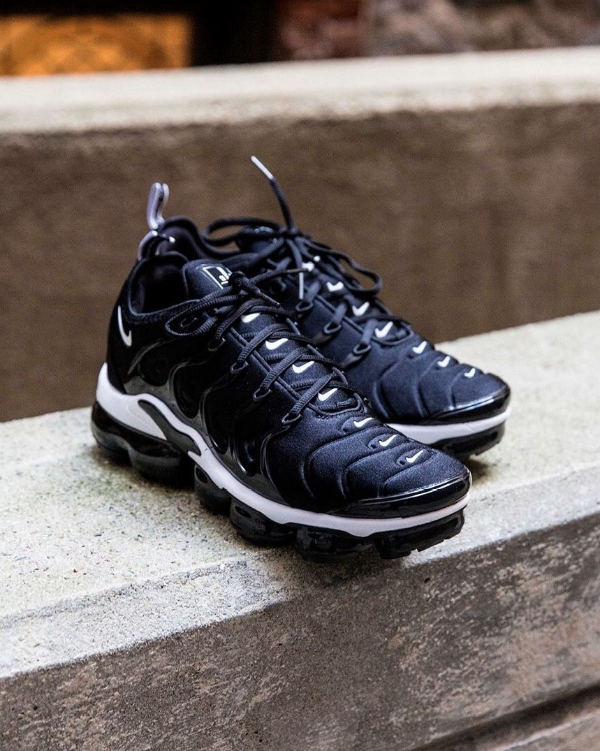 Nike Air Vapormax Plus  3b0e58e24