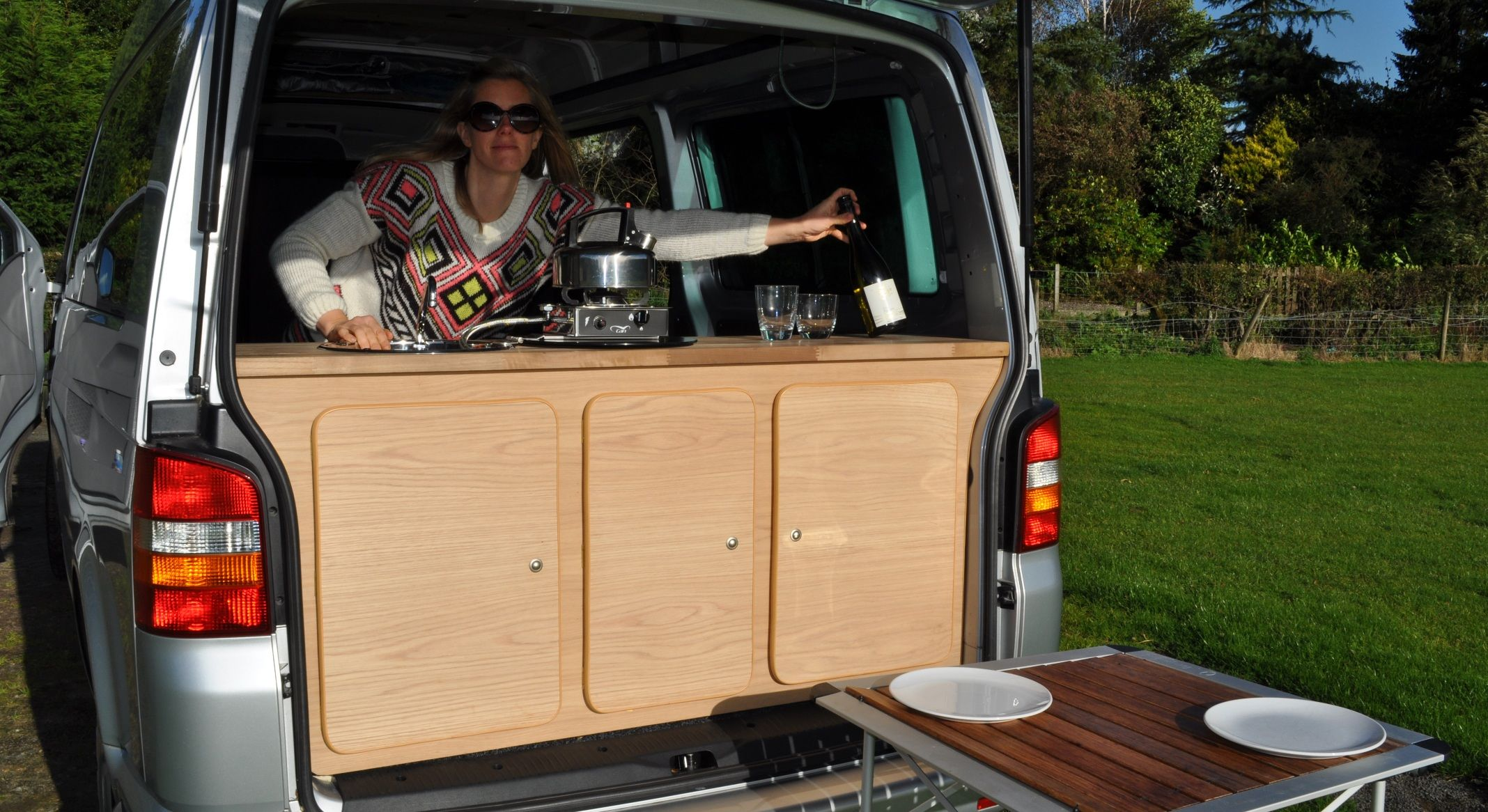 rear kitchen on the move pinterest van dwelling and diy camper