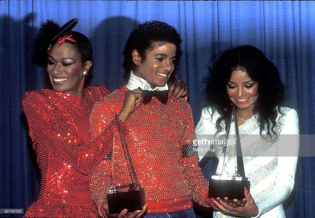 Bonnie Pointer & Michael Jackson & his sister LaToya Jackson at the American Music Awards